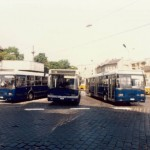 Csoportkép a Moszkva téri kis tárolón - a proto mellett a sorozat példányok